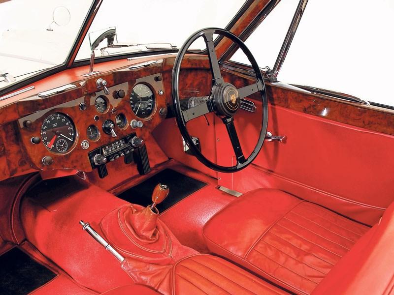 Jaguar_XK140_3.jpeg