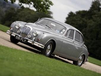 Daimler 250 V8 Review | CCFS UK