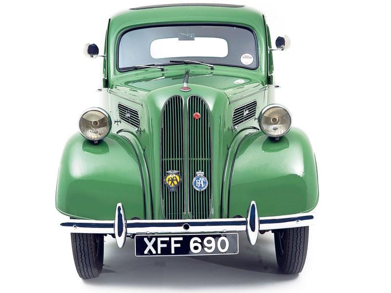 Ford_Anglia_E93A_2.jpeg