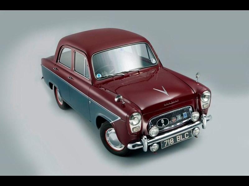 Ford_100E_2.jpg
