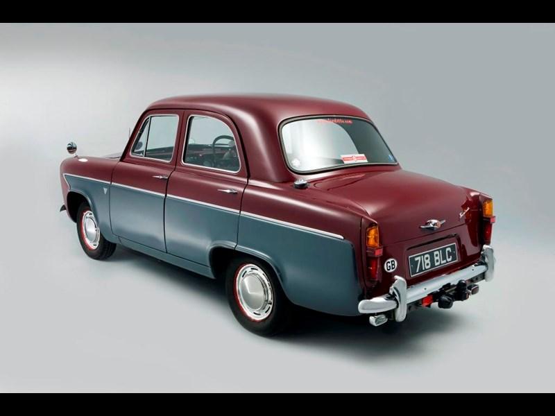 Ford_100E_3.jpg