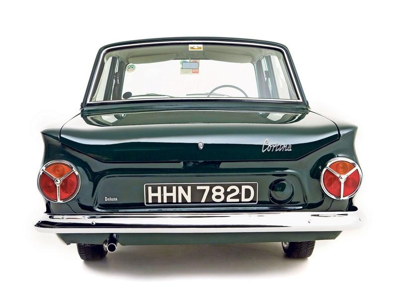 Ford_Cortina_Mk1_2.jpeg