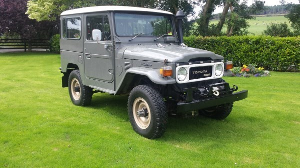 Toyota Land Rover >> Clash Of The Classics The Toyota Land Cruiser Vs The Land Rover
