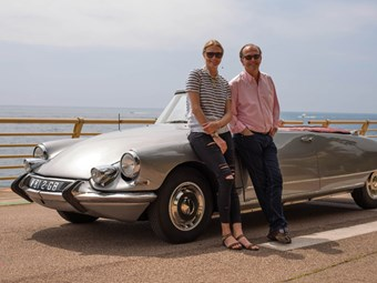 The Classic Car Show Presenters Quentin Willson And Jodie Kidd - Cool cars quentin