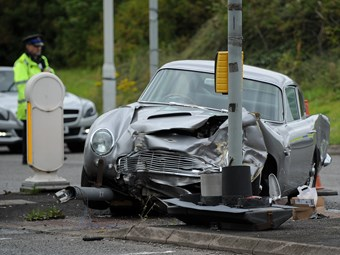 Aston Martin DB5 damaged in crash