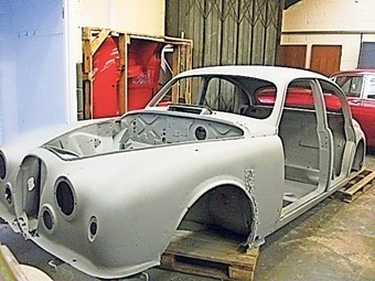 Unique Jaguar Mk1 race car is restored in Essex