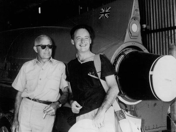 Donald Campbell (right) with his right-hand man Leo Villa (left), alongside Bluebird K7.