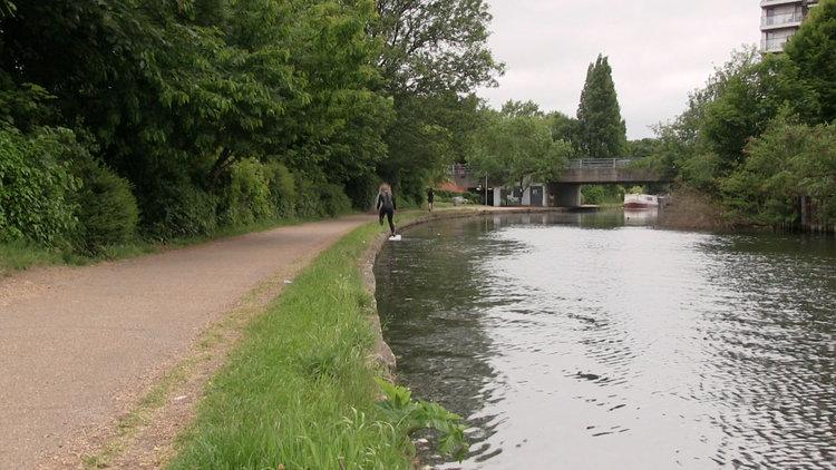 Sandra+Fruebing_walking-canal-till-the-end.jpg