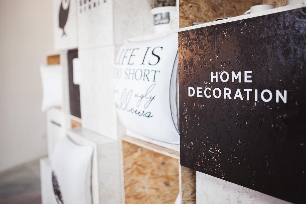 Com_Home Decoration Sign