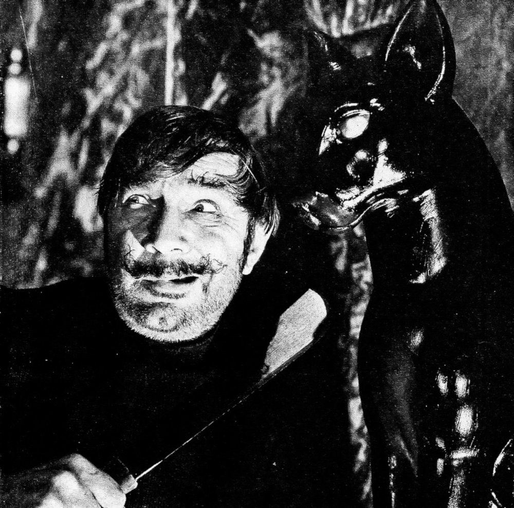 Special apperence by the Great  Bela Lugosi  as Eduardo Vigos