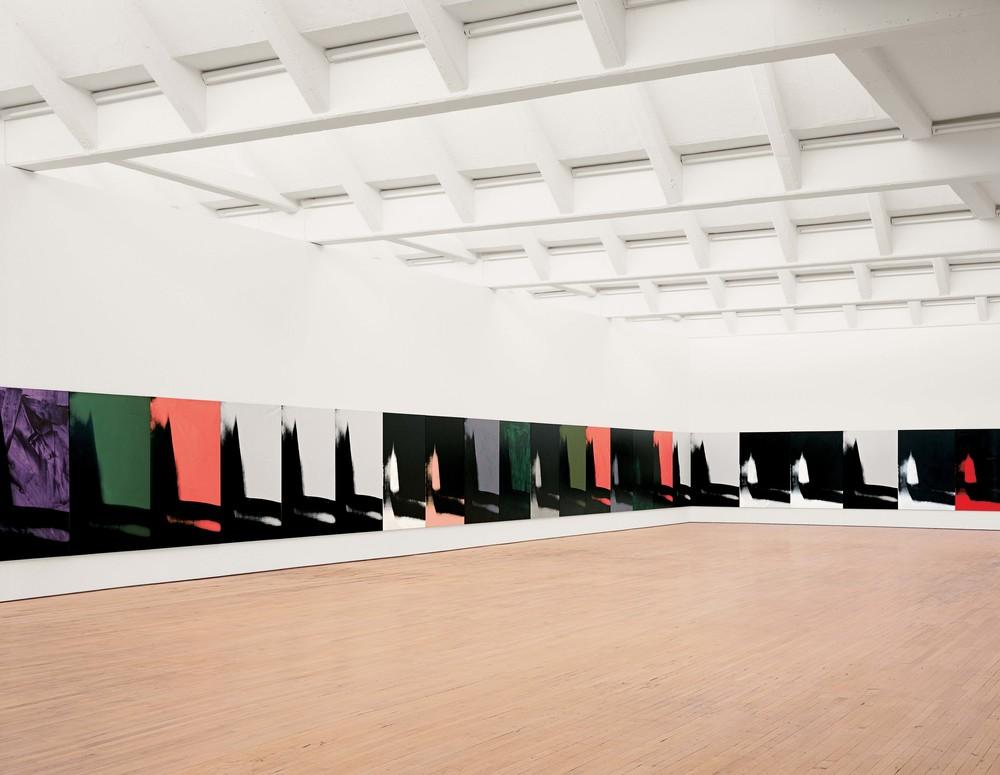 Andy Warhol Sombras(Shadows, 1978-79) Dia Art Foundation Vista de la instalación en el Dia: Beacon, Beacon, Nueva York. © 2016, The Andy Warhol Foundation for the Visual Arts, Inc./VEGAP Foto: Bill Jacobson