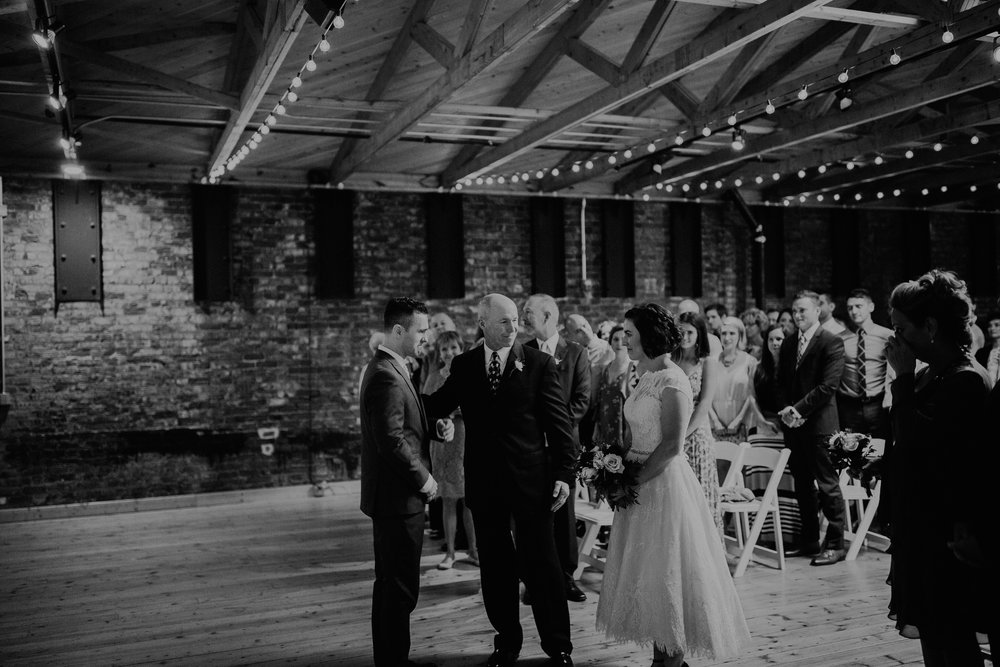 Cincinnati_Rhinegeist_Wedding_Andy_Katie-423.JPG