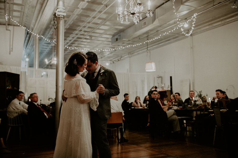Jaymee_Jake_Vintage_Wedding_Cincinnati-EDIT-571.JPG