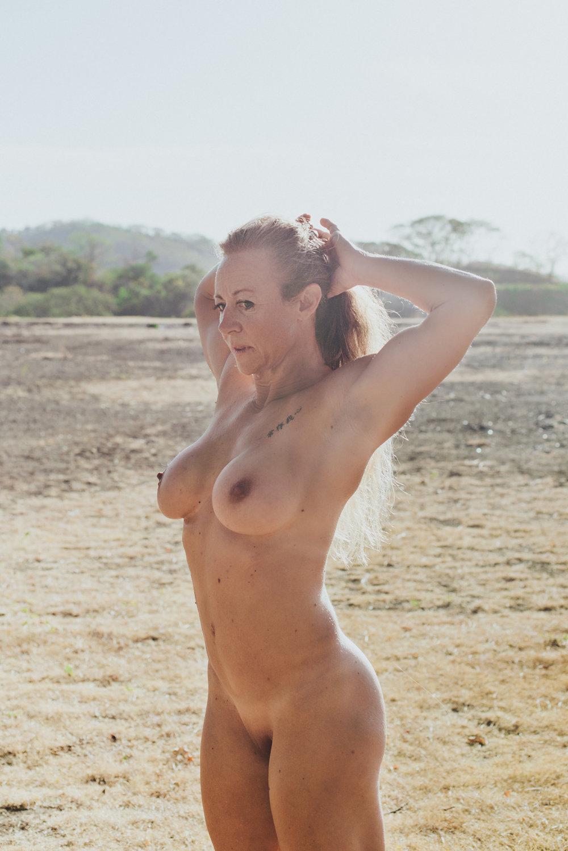 scandaleuse-photography-toronto-boudoir-Costa Rica-30.jpg