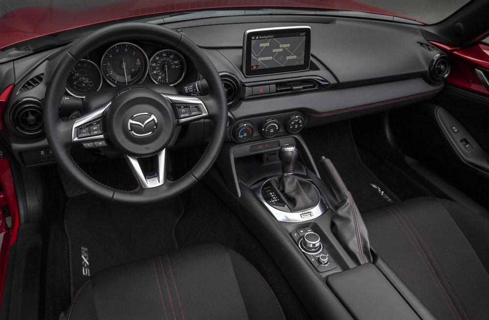 201616_MX5-CanUSA-636-1_cockpit_auto.jpg