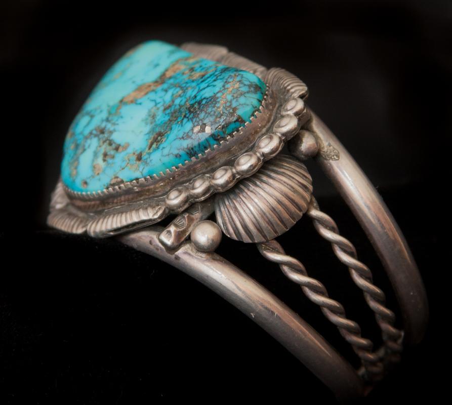 W_CJBHLBR13-02_Bracelet_Navajo_SilverTurquoise1 copy.jpg