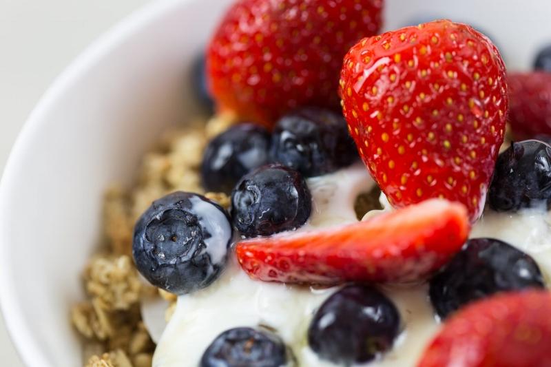 yogurt-granola-1500x1000.jpg