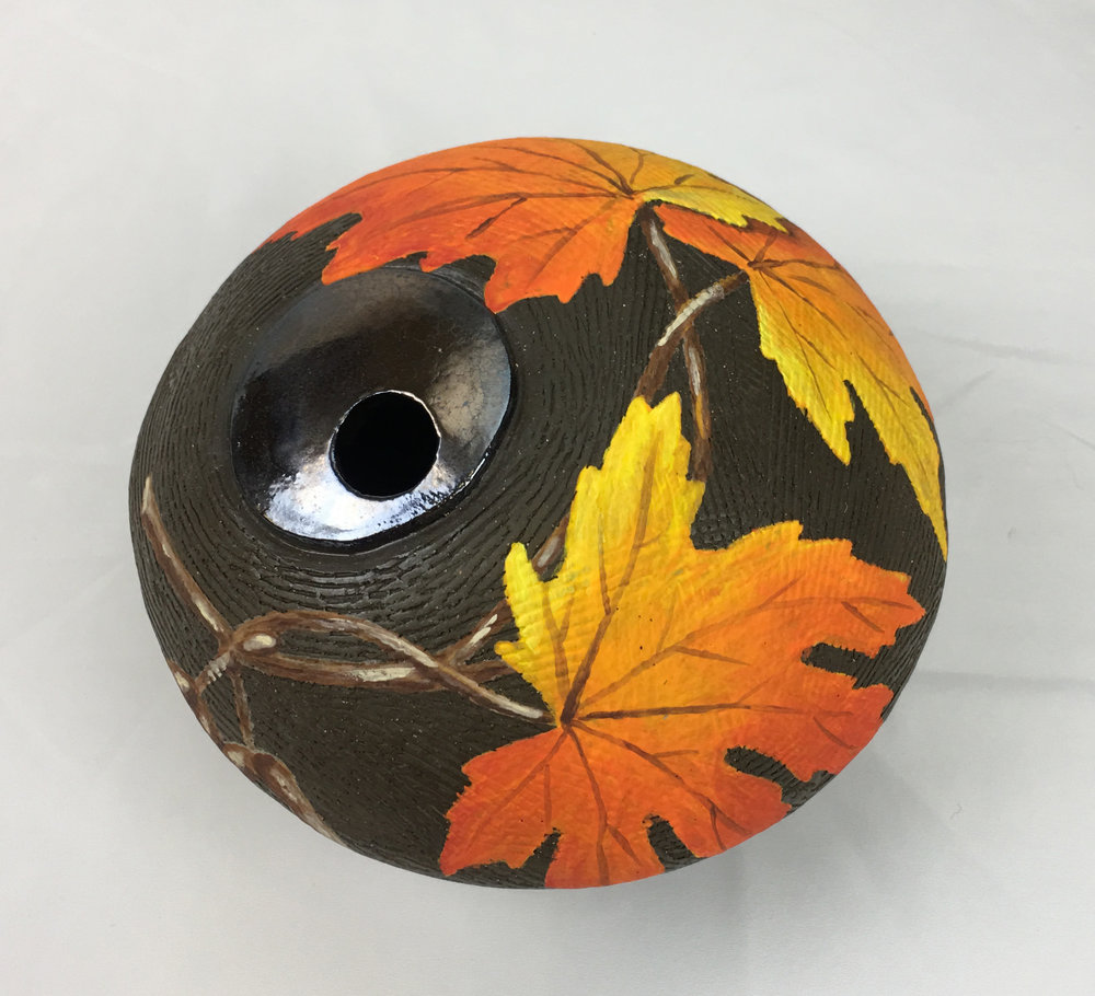 Round Vase with Maple Leaves