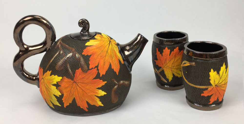 Tea set with Maple Leaves