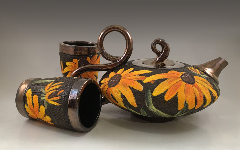 Tea Set with Rootbekia Flowers