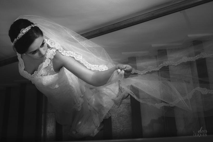 Site_Dois_Cliques_Luana_Ti63_9_album-de-casamento-Aparecida-Blanc-casamento-em-BH-Dois-Cliques-dois-cliques-fotografia-rpova-de-vestido-vestido-de-noiva.jpg
