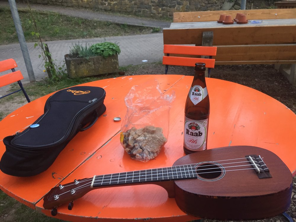 Sometimes dinner is just some free bread and a free beer.
