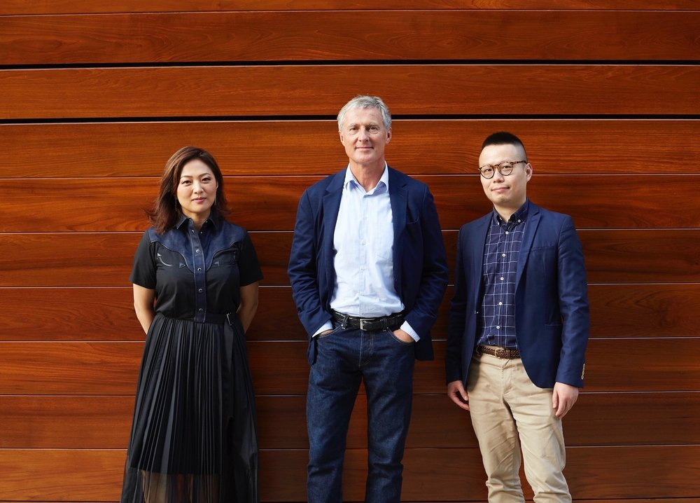 From left to right: Jennifer Yum, David Zwirner, Leo Xu. Photo: Anna Bauer
