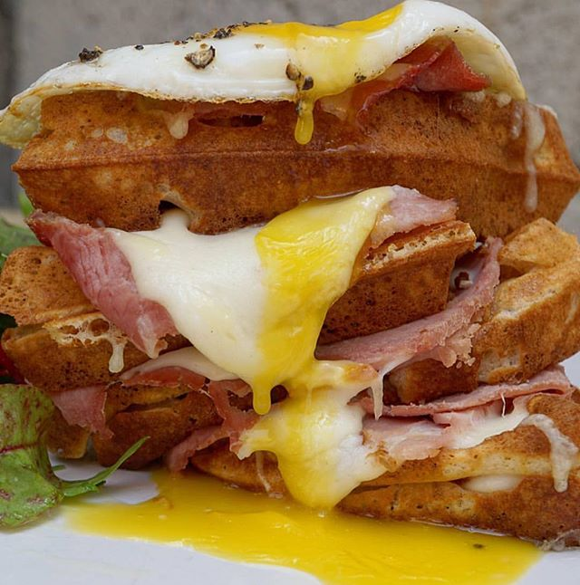 Who needs bread on your croque madam when you can have a waffle tower instead?! @cheatdayeats