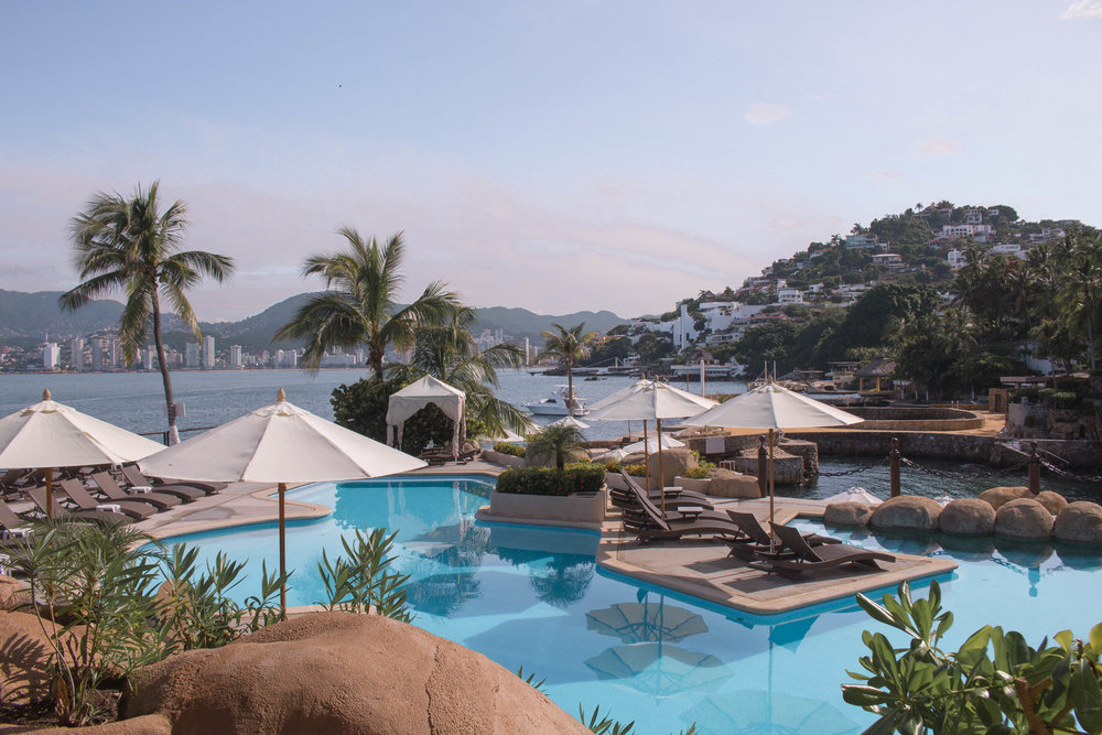 acapulco travel guide: LAS BRISAS HOTEL
