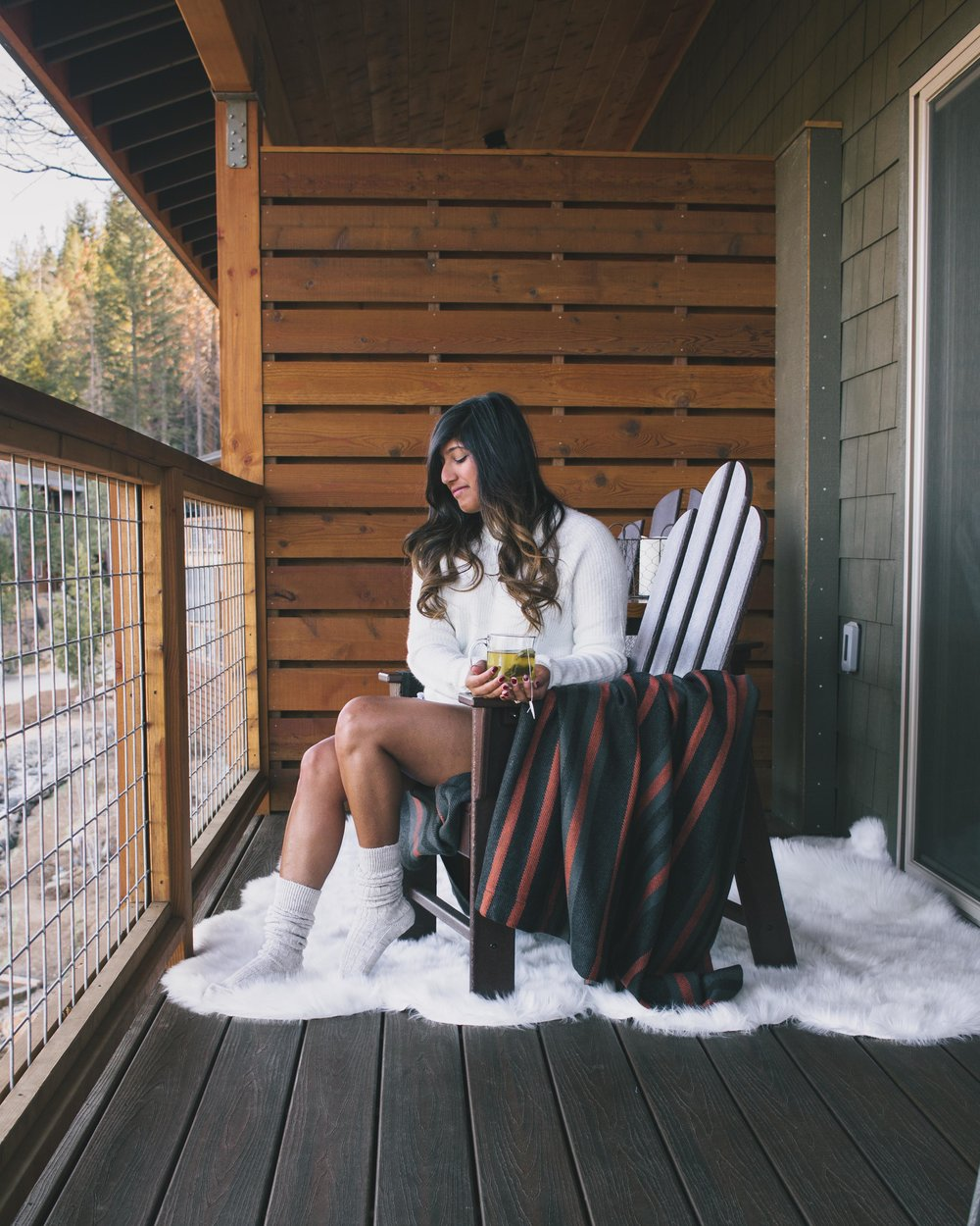 cozy vibes at Rush Creek Lodge in Yosemite, California