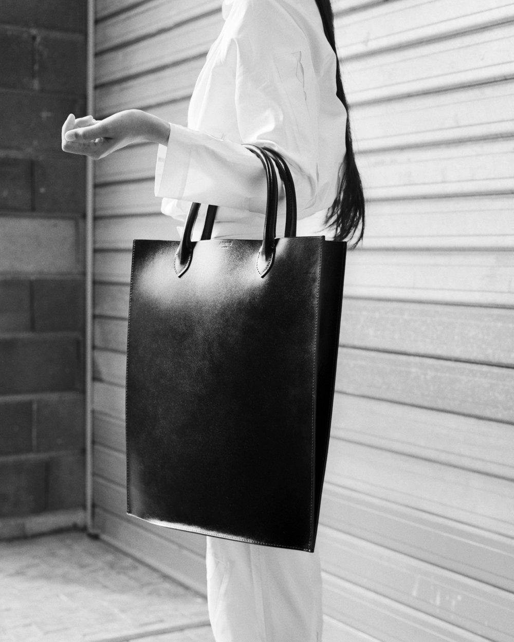 ASWAD 1 Tote Bags