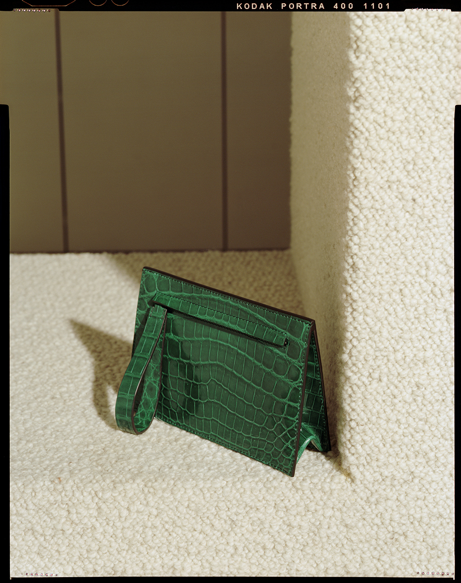 ASWAD 2 Delta Clutch Green Crocodile.jpg