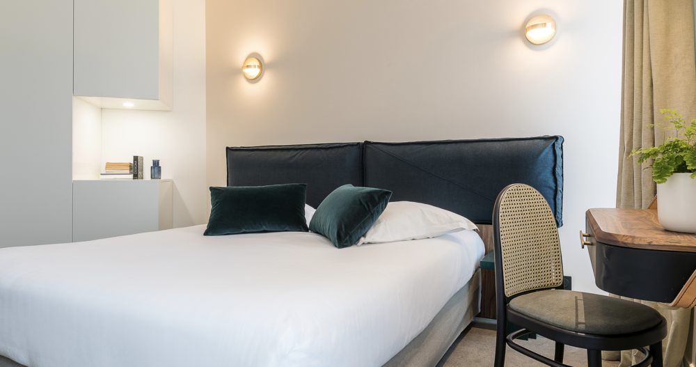 Hotel Friedland / PLUS wall lamp