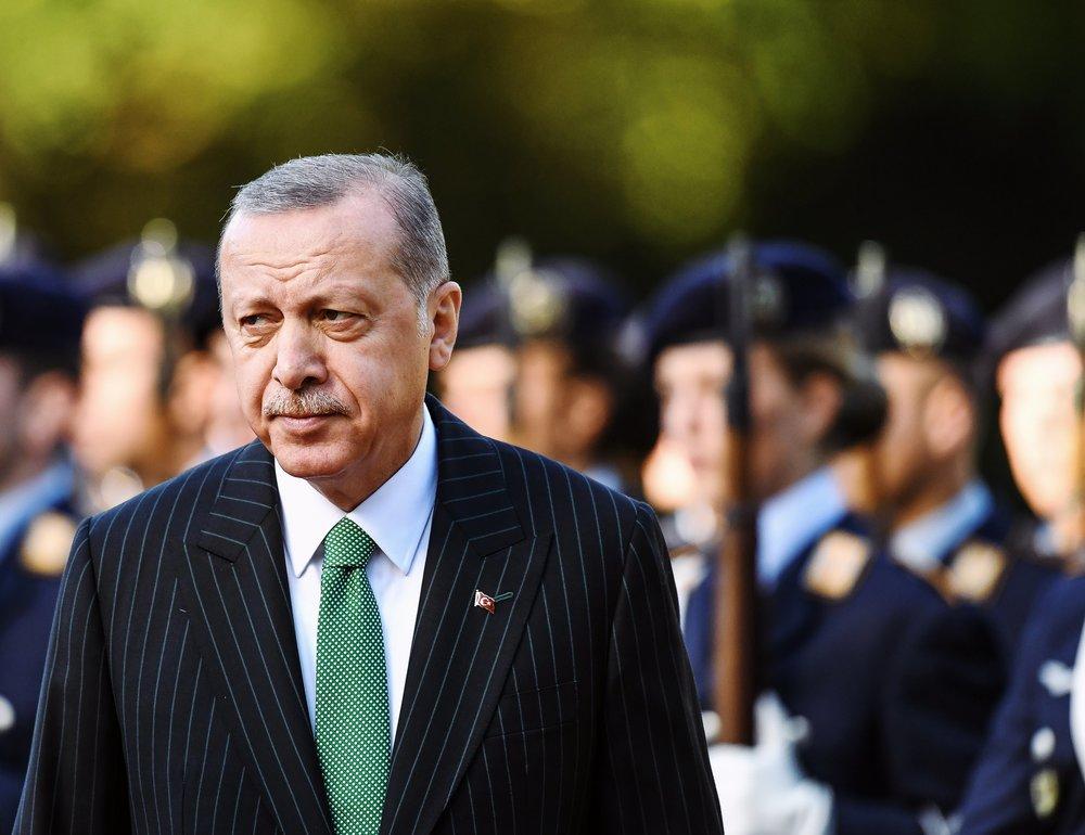 Recep Tayyip Erdoğan kommt mit militärischen Ehren zum Staatsbesuch ins Schloss Bellevue.