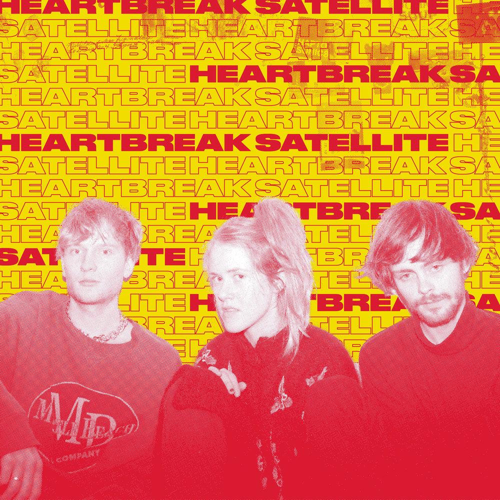 """Heartbreak Satellite er et nytt prosjekt med Ragnhild Fangel Jamtveit (Pom Poko), Tobias Pfeil (Tuvaband, Natalie Sandtorv, Tobi Duchampe) og Håkon Kjenstad (Spring Breakers, Panda Panda, Tuvaband). Bandet spiller upretansiøs og skranglete elektropop, med referanser til band som Broadcast og CoCoRosie. I 2018 signet de med Brilliance Records, og har utgitt bl. a. den energiske singelen """"Are U OK?"""" som blant annet ble brukt til TV-serien Unge Lovende. Debutalbumet """"Foxy"""" slippes på Brilliance høsten 2018."""