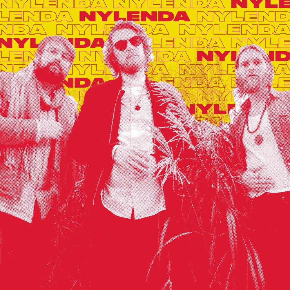 """Med sine suggererende, nærmest hypnotiske rytmer har nylenda klart å skape en sound som er frisk og fengende. Elementer av sen psykedelisk Beatles blandet med 70/80talls-synther resulterer i en egenarta sound som virkelig får i gang """"rockefoten"""". nylenda slapp sin første singel Burning Eyes høsten 2017 som gjorde at flere fikk øynene opp for deres dansbare miks av psykedelisk pop og elektronika. I februar kom det en ny singel, den første i en rekke som skal slippes i løpet av året."""