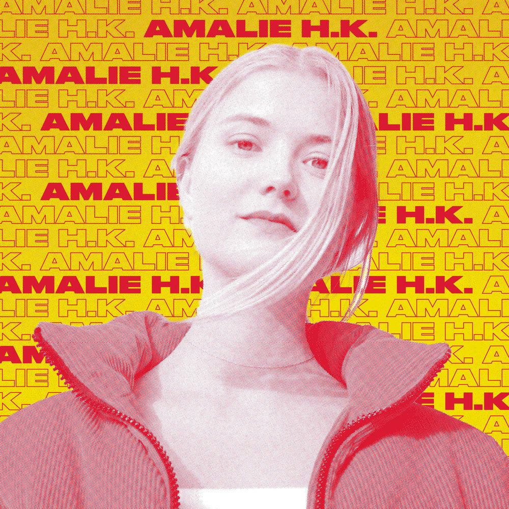 Amalie Holt Kleive (23) er utdannet jazzvokalist ved Griegakademiet, som i vinter startet opp et soloprosjekt. Her utforsker hun samplinger, med beats, improvisasjon, vokal, looping, synth og mer. De få konsertene hun har holdt har trollbundet publikum og bransjen, og det jobbes nå med de første utgivelsene. Kleives musikalske univers kan være utfordrende og sette i bås. Med suggererende beats og myke synther som skaper en drivende tekstur, legger hun vokal og tekstlag på toppen som kan få en til å tenke på filmatiske univers.
