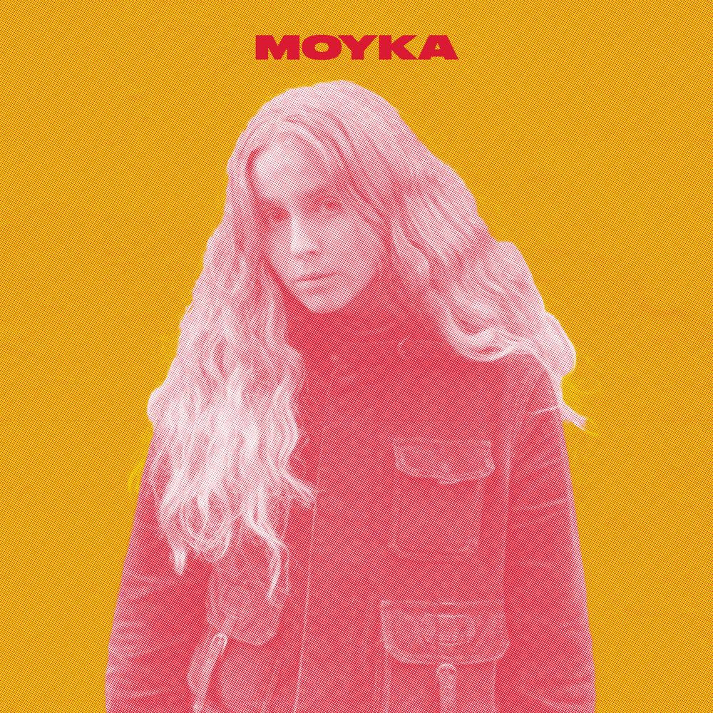 """Bak navnet """"Moyka"""" finner vi den 21-år gamle produsenten og singer-songwriter Monika Engeseth. Hun kommer opprinnelig fra Hallingdal, men har de siste årene vært bosatt i Bergen. Våren 2017 gikk hun sammen med produsent Eirik Hella, for å lage elektronisk pop inspirert av store følelser og kontraster. Suggerende trommerytmer møter en vegg av analoge synther i et melodisk og klangfylt lydbilde. I sentrum av det hele står Moykas klare og sterke vokal. Melankolske tekster flettes inn i et lydbilde som balanserer på grensen mellom det organiske og det elektroniske, noe som skaper et unikt og storslått univers."""