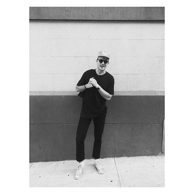 That #sohostreetstyle  #vintage #onlythebestfinds #stevesclothing #streetstyle #soho #nyc #mensstyle #mensfashion #blackonblack #tgif #broncos #instagood #instastreetstyle #woke