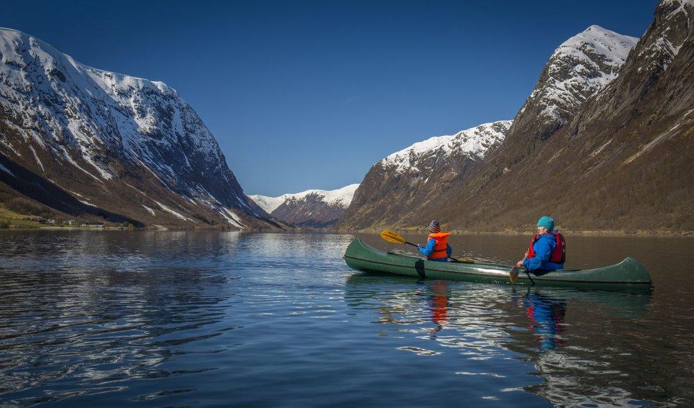 lunde turiststasjon kjosnesfjorden kano.jpg