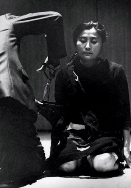 """Yoko Ono, """"Cut Piece"""" (1964)"""