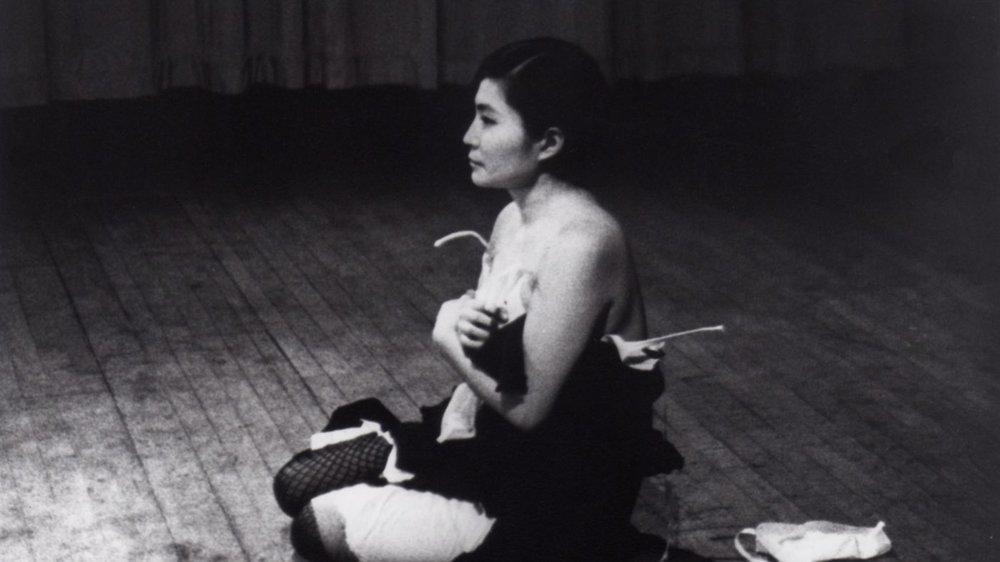 """Yoko Ono, """"Cut Piece"""" (1965)"""