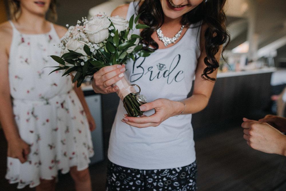 photographe_mariage_outaouais_gatineau_ottawa_wedding_photographer_candid_lifestyle_documentary_natasha_liard_photographs (11).jpg