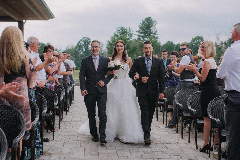 photographe_mariage_outaouais_gatineau_ottawa_wedding_photographer_candid_lifestyle_documentary_natasha_liard_photographs (7).jpg
