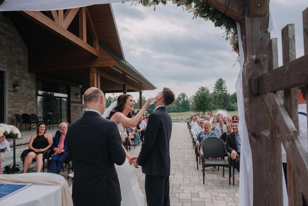photographe_mariage_outaouais_gatineau_ottawa_wedding_photographer_candid_lifestyle_documentary_natasha_liard_photographs (23).jpg
