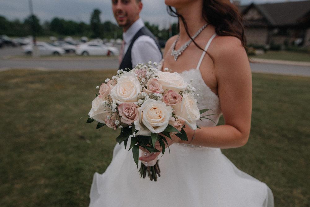 photographe_mariage_outaouais_gatineau_ottawa_wedding_photographer_candid_lifestyle_documentary_natasha_liard_photographs (31).jpg