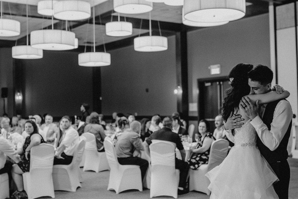 photographe_mariage_outaouais_gatineau_ottawa_wedding_photographer_candid_lifestyle_documentary_natasha_liard_photographs (8).jpg