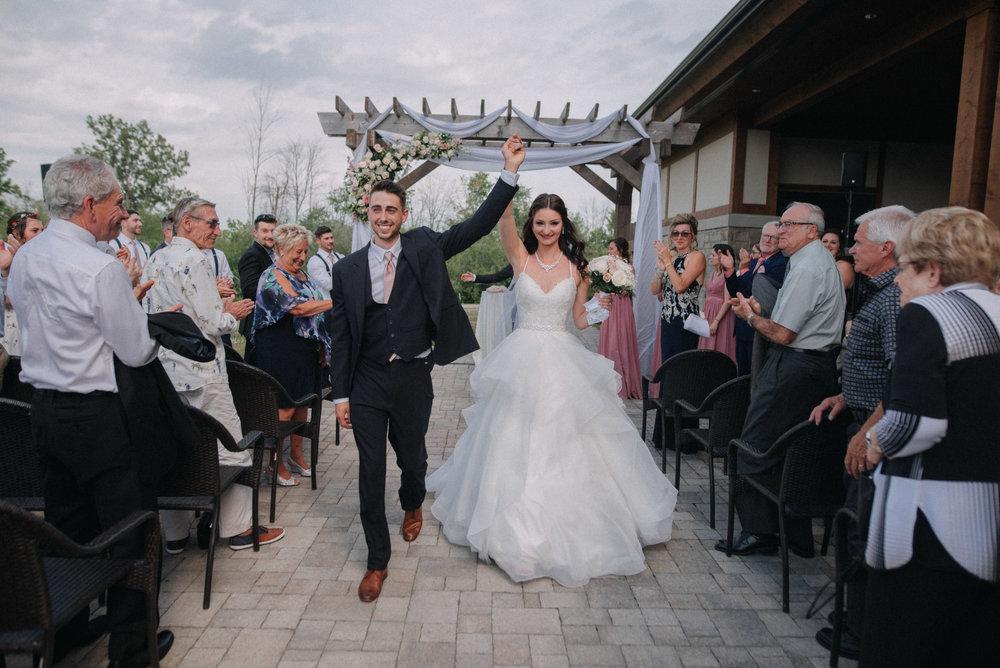 photographe_mariage_outaouais_gatineau_ottawa_wedding_photographer_candid_lifestyle_documentary_natasha_liard_photographs (25).jpg