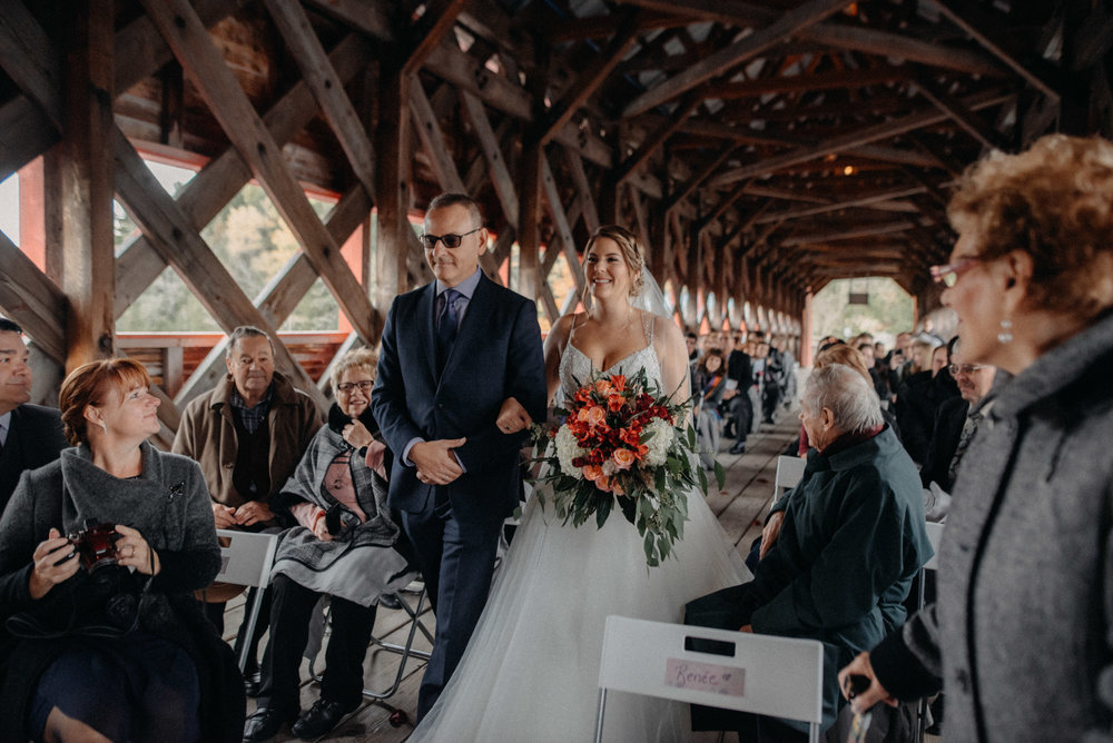 photographe_gatineau_mariage_ottawa_photographer_wedding_natasha_liard_photo_documentary_candid_lifestyle_wakefield_mill_red_bridge (28).jpg