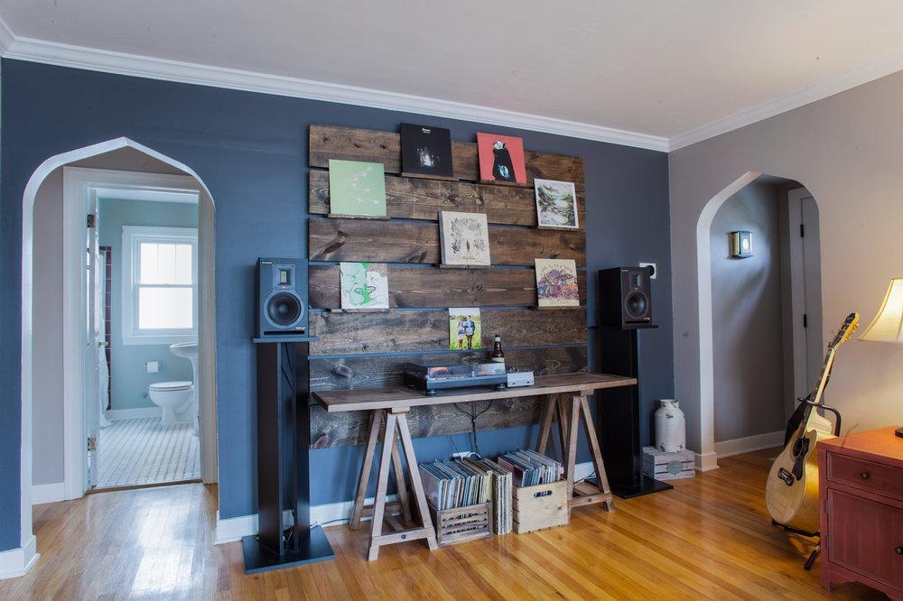 4244 Lindley St. Airbnb-5.jpg